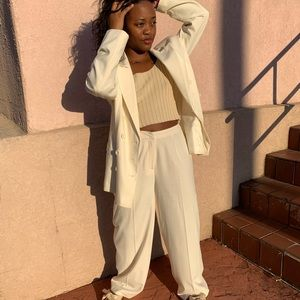 Vintage Dresses - Vintage White Oversized Suiit